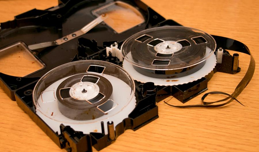 Зачем оцифровывать видеокассеты?